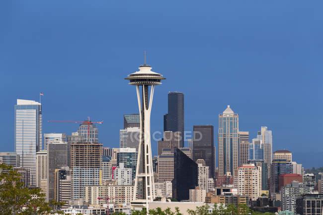 États-Unis, État de Washington, horizon de Seattle avec aiguille spatiale — Photo de stock