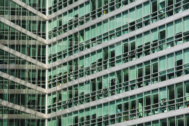 Austria, Vienna, Donau City, dettaglio di un edificio per uffici — Foto stock