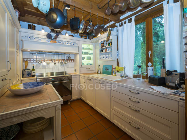County style kitchen, indoor view — Stock Photo