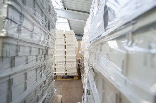 Storage for packaging and shipment of goods — Stock Photo