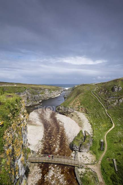 UK, Scotland, Durness, view from Smoo Cave to fjord Geodha Smoo — Stock Photo