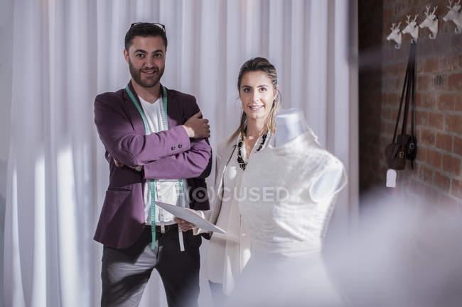 Портрет двух модельеров — стоковое фото