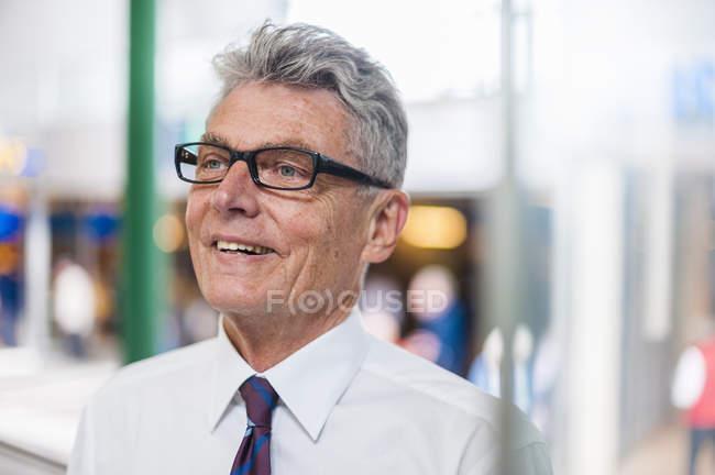 Ritratto di uomo d'affari anziano e sicuro — Foto stock