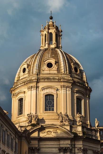 Italie, Latium, Rome, Santissimo Nome di Maria al Foro Traiano, coupole — Photo de stock