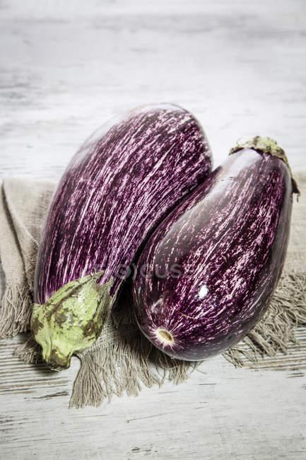 Melanzane organici freschi — Foto stock