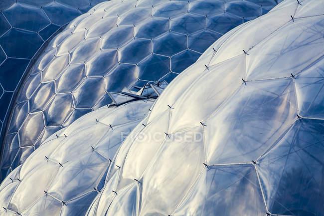 Inghilterra, Cornwall, St Austell, Regno Unito, parco tematico Eden Project, giardino botanico cupole — Foto stock