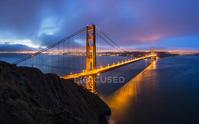 USA, California, San Francisco, skyline and Golden Gate Bridge at the blue hour — Stock Photo