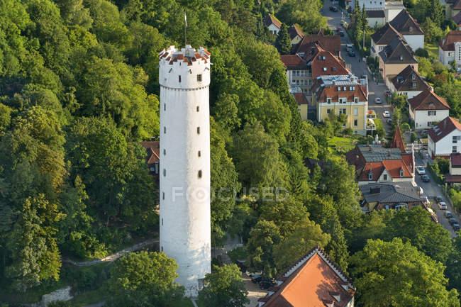 Alemania, Baden-Wuerttemberg, Ravensburg, torre de la ciudad Mehlsack durante el día - foto de stock