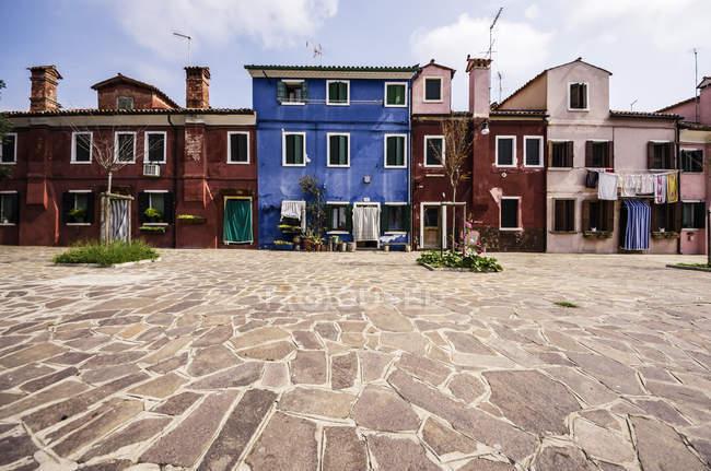 Italie, Vénétie, Venise, Burano, vieilles maisons colorées — Photo de stock
