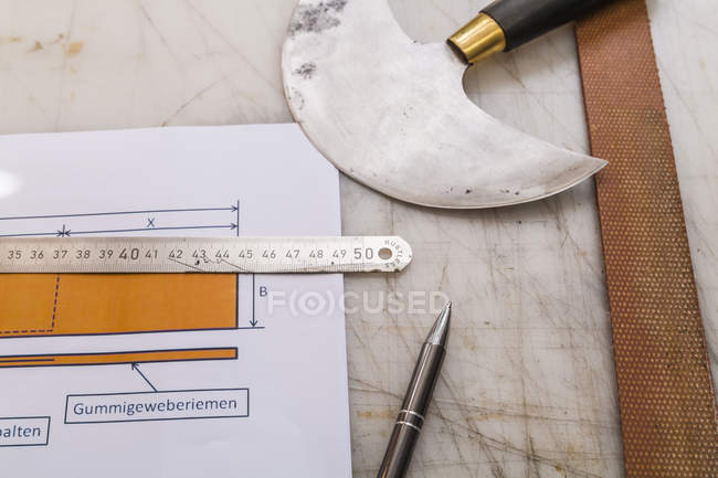 Tools and construction plan for a radio collar — Stock Photo