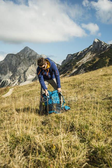Тіроль, Австрія-Tannheimer-Таль, мандрівного з рюкзака на Полонина — стокове фото