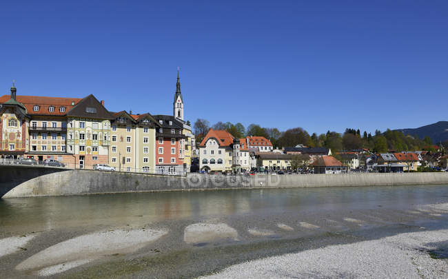 Германия, Бавария, Верхняя Бавария, Бад-Тоэльц, Изар — стоковое фото