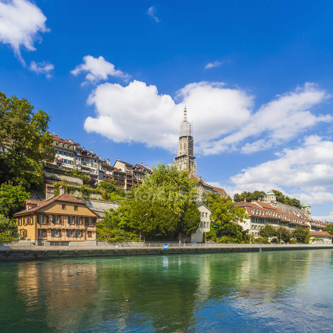 Switzerland, Bern, cityscape with minster and River Aare in sunny day — Stock Photo
