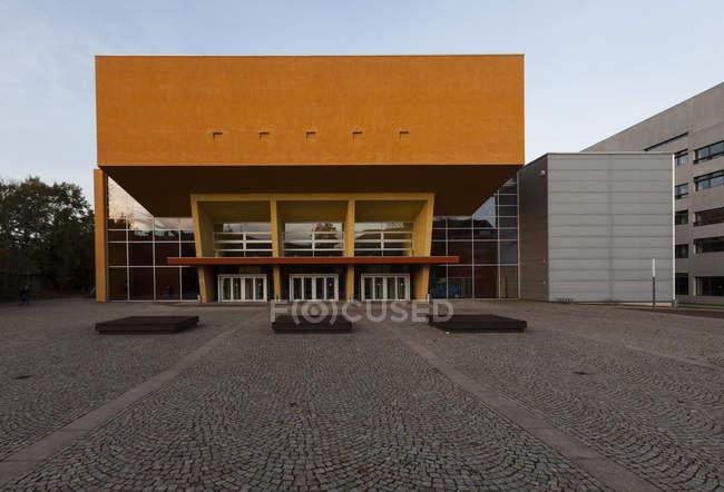 Alemanha, Saxônia, Chemnitz, Unversity técnico durante o dia — Fotografia de Stock