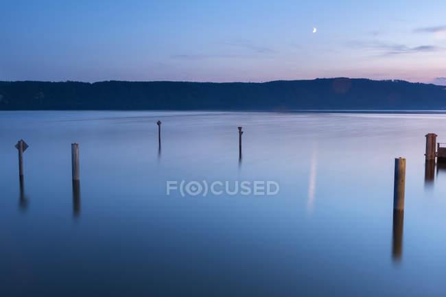 Alemania, Baden-Wuerttemberg, Lago Constanza, Sipplingen, Bodanrueck por la noche - foto de stock
