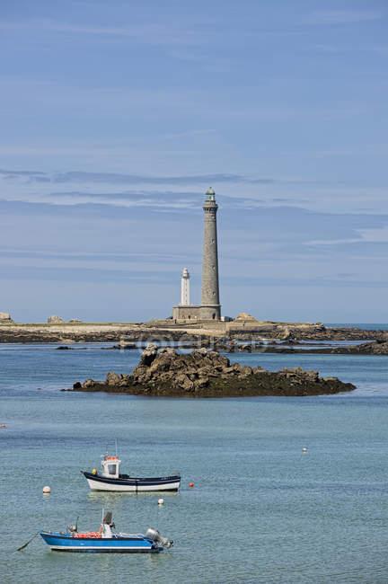 Lighthouses by the sea coast — Stock Photo