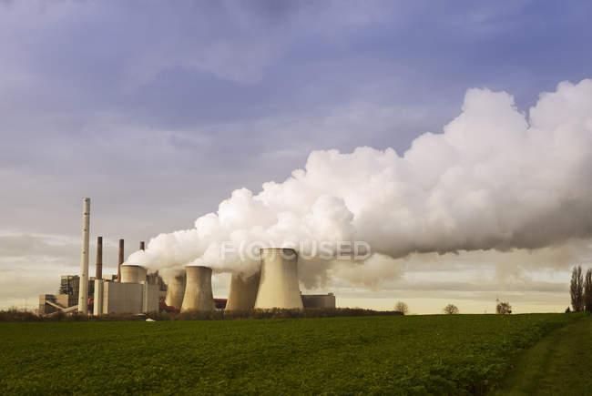 Gremany, North Rhine-Westphalia, Grevenbroich, Modern brown coal power station — Stock Photo