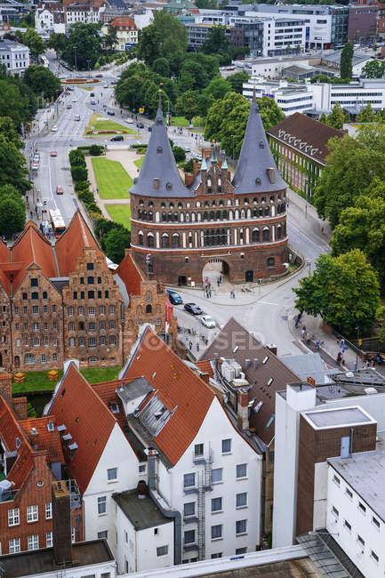 Deutschland, Schleswig-Holstein, Lübeck, Altstadt, Holstentor — Stockfoto