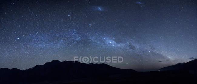 Nova Zelândia, céu estrelado, milkyway à noite — Fotografia de Stock