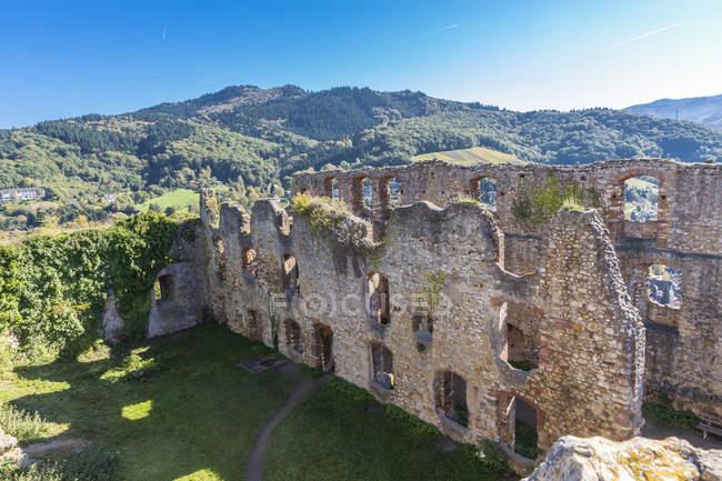 Germania, Baden-Wuerttemberg, Staufen im Breisgau, rovina del castello a Staufenberg — Foto stock