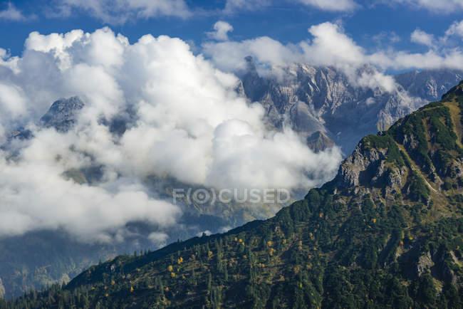Alemanha, Bavaria, Allgaeu, crista de montanha dos Alpes de Allgaeu, visto a partir de Fellhorn — Fotografia de Stock