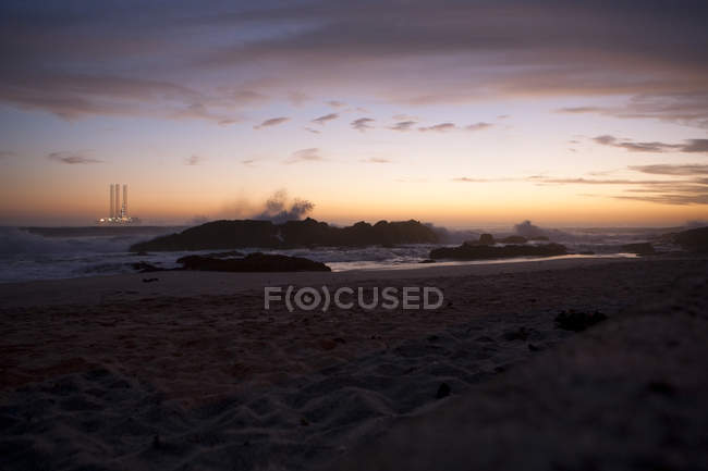 South Africa, Cape Town, Blaauwberg Beach at dusk — Stock Photo