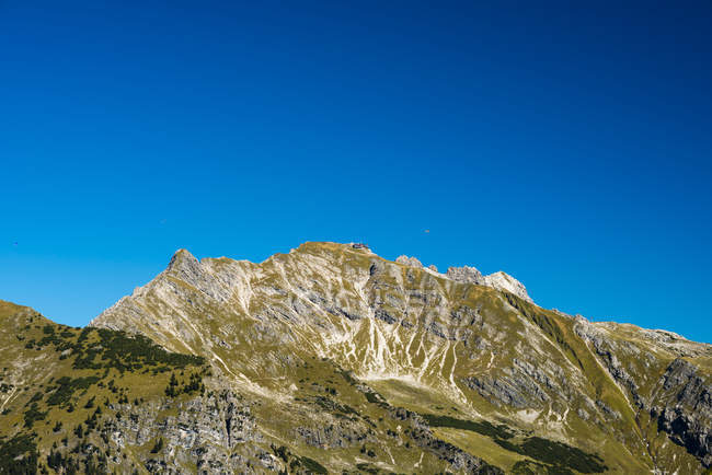 Германия, Бавария, Альпы Альгау, Nebelhorn вид скалистых пика в дневное время — стоковое фото