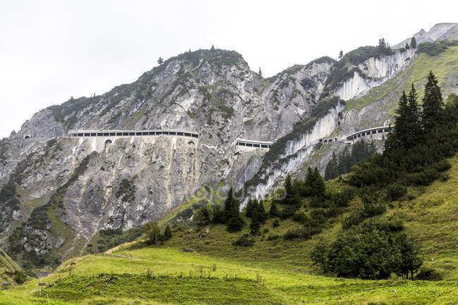 Австрії, Форарльберг, тірольський Альп, погляд на Flexenpass перевалі — стокове фото