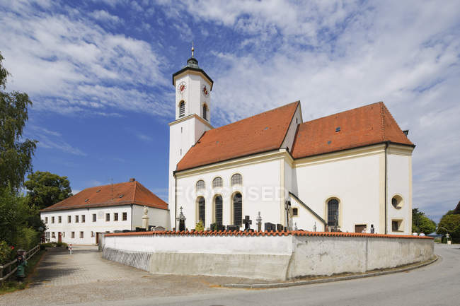 Germany, Bavaria, Upper Bavaria, Wasserburg am Inn district, Albaching, St. Nicholas Church — Stock Photo