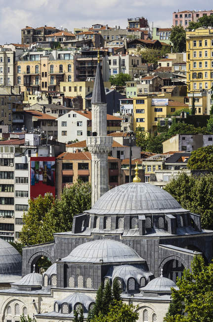 Turkey, Istanbul, View of Mosque and Minaret architecture — Stock Photo