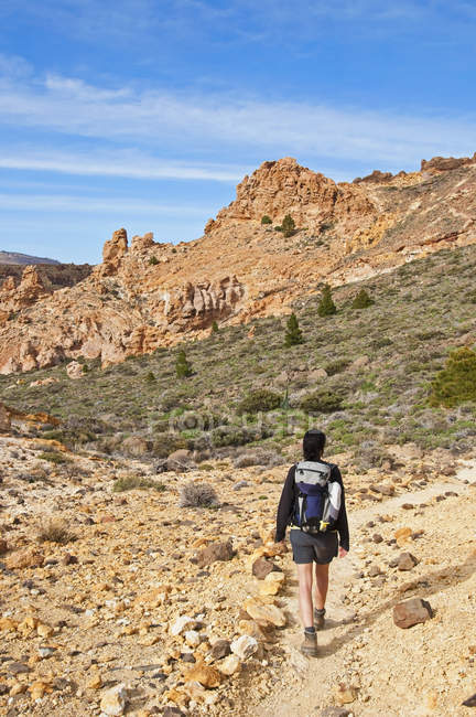 Female hiker in the Caldera de las Canadas — Stock Photo
