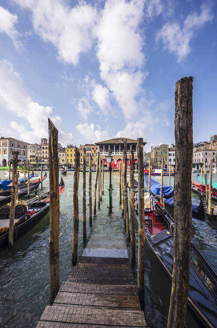 Италия, Мбаппе, Венице, район Каннареджо, прогулка по каналу Вуден — стоковое фото
