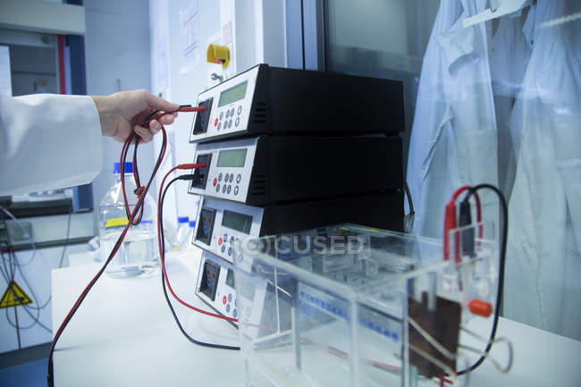 Female technician working at biochemistry labroratory — Stock Photo