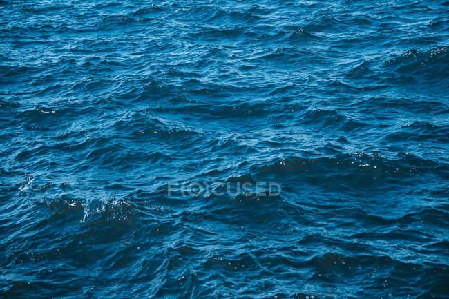Allemagne, Schleswig-Holstein, Kiel, surface de la mer pendant la journée — Photo de stock