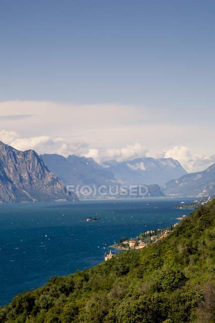 Landsacpe with Lake Garda — Stock Photo