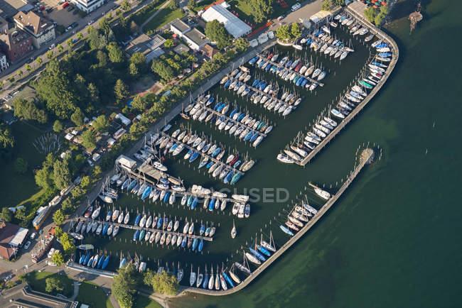 Germany, Baden-Wuerttemberg, Lake Constance, Friedrichshafen, aerial view of marina — Stock Photo