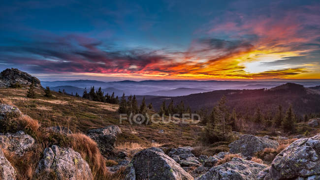 Allemagne, Bavière, forêt de Bavière, grand Arber au coucher du soleil — Photo de stock