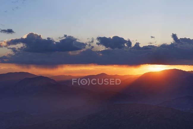 Coucher du soleil de Turquie, Anatolie, sur le Mont Nemrut — Photo de stock