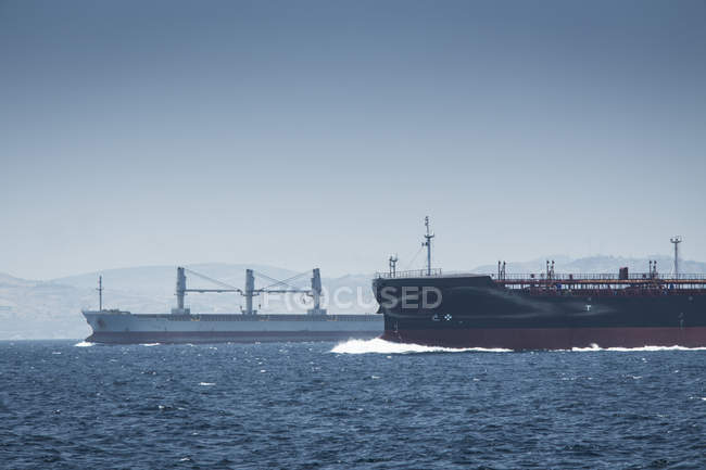 Spain, Andalusia, Tarifa, Strait of Gibraltar, Cargo ships — Stock Photo