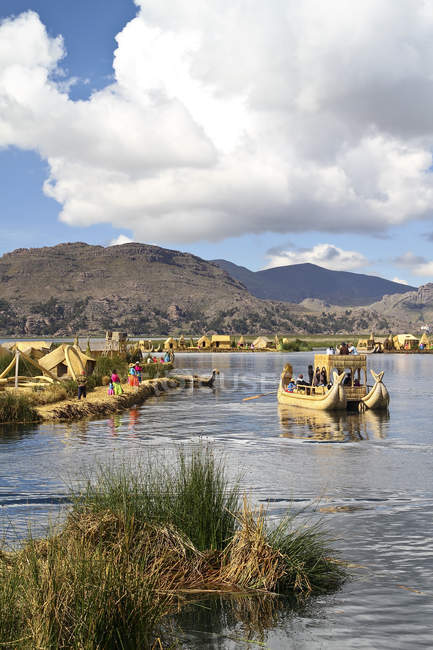 South America, Peru, Uros people living on the floating islands of the Lake Titicaca — Stock Photo