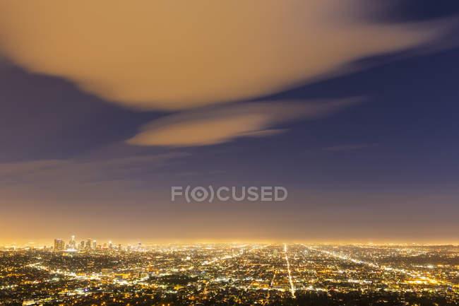 США, Калифорния, Лос-Анджелес Cityscape в синий час — стоковое фото