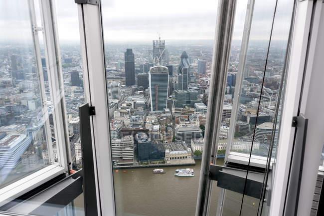 Großbritannien, endland, london, southwark, city of london, blick vom shard auf themenfluss und finanzviertel — Stockfoto