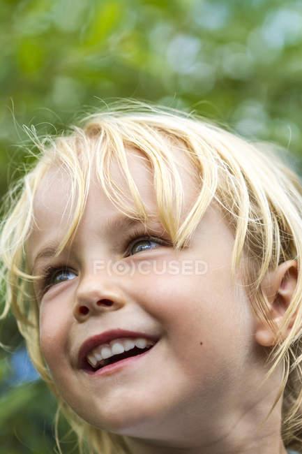 Little girl looking sideways — Stock Photo