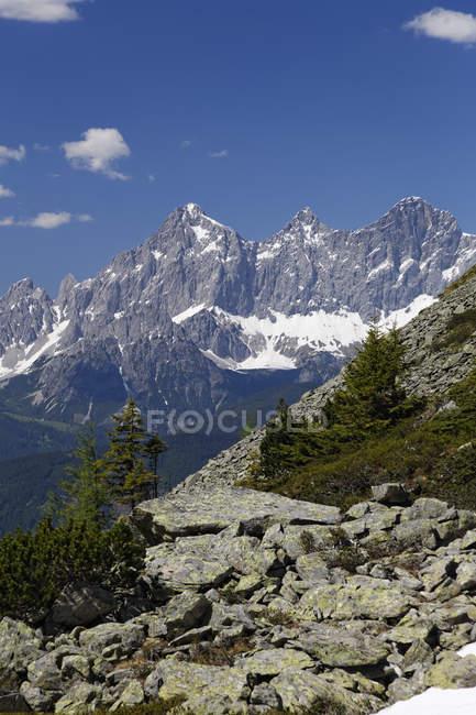 Austria, Styria, Liezen District, Tauern, Reiteralm, View to Dachstein — стокове фото