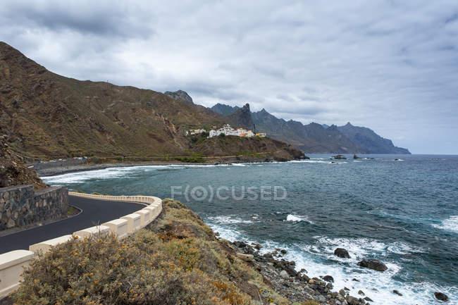 Ansicht von Almáciga, Küstenstraße an der Nordküste, Teneriffa, Kanarische Inseln, Spanien — Stockfoto