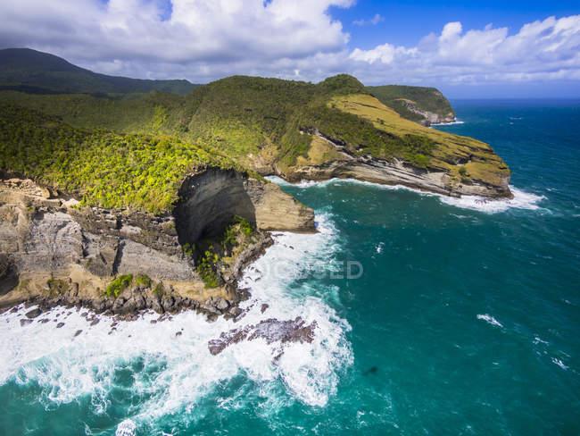 Vue aérienne de la baie de la Chaloupe à la lumière du jour, Sainte-Lucie, Caraïbes — Photo de stock