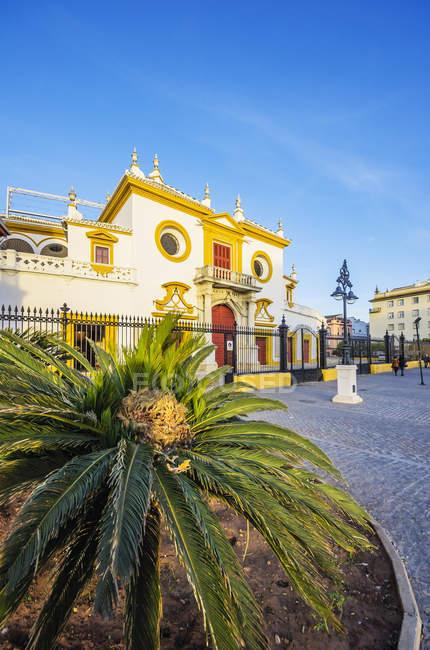 Spagna, Andalusia, Siviglia, Plaza de Toros durante il giorno — Foto stock