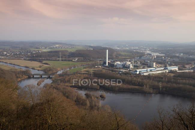 ТЭЦ и ТЭС в сумерках, Хаген, Рурской области, Германия — стоковое фото