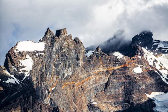 Cile, Parco Nazionale delle Torres del Paine, Cordigliera del Paine durante il giorno — Foto stock