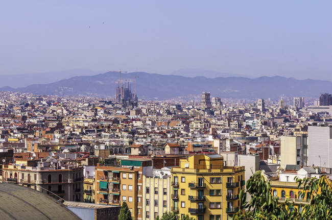 View of cityscape from Palau Nacional on Sagrada Familia at daytime, Barcelona, Spain — Stock Photo
